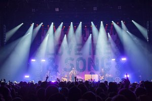 Love Ire & Song for Frank Turner & Robe