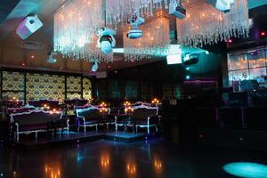 Robe & Anolis sparkle at Crystal Le Club